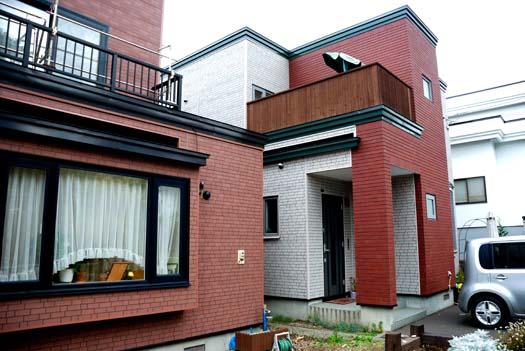 дом облицованный японскими панелями