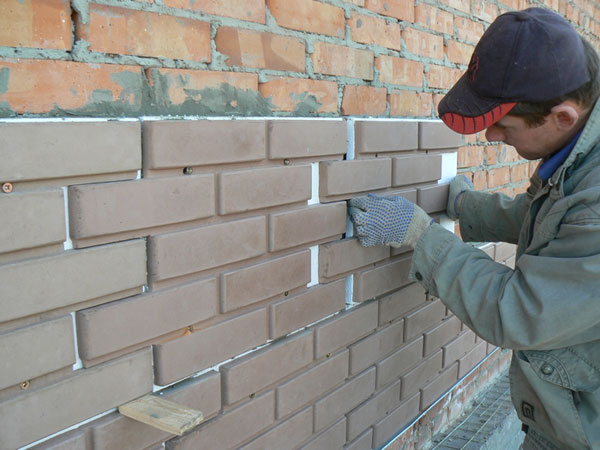 Монтаж виниловых фасадных панелей