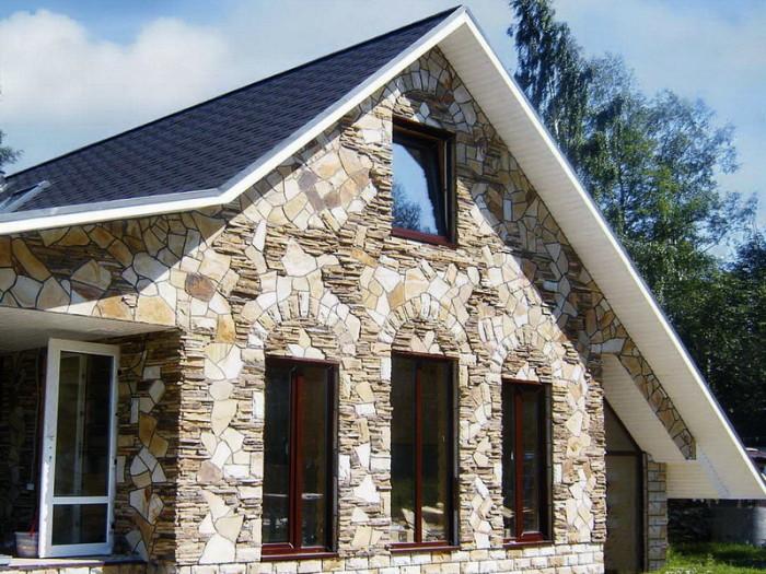 пример каменного фасада