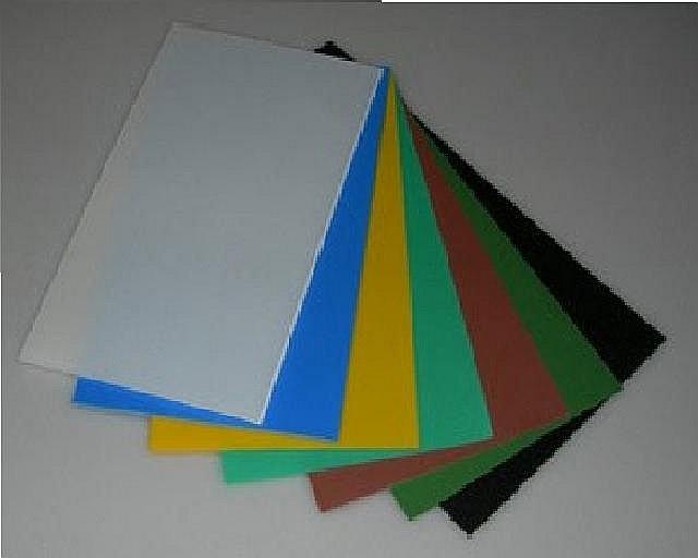 лист из вспененной пластмассы