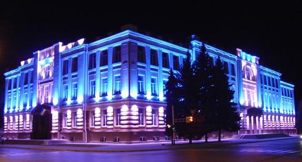 Контурное освещение здания
