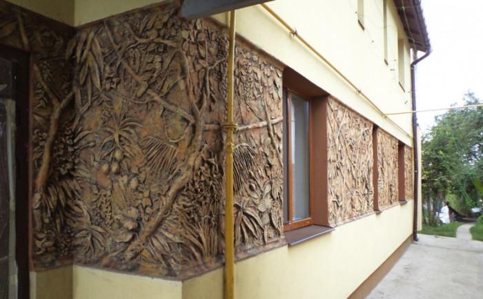 Фасадный барельеф