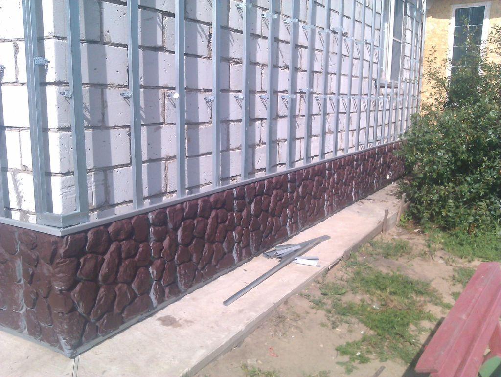 Монтаж сайдинга на цоколе здания
