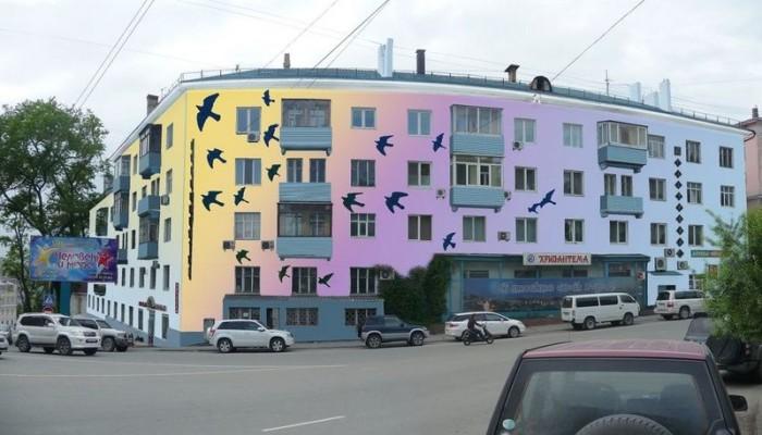 Обновленный фасад жилого дома