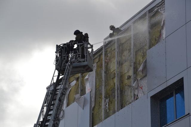 На Ледовой арене Трактор горел фасад