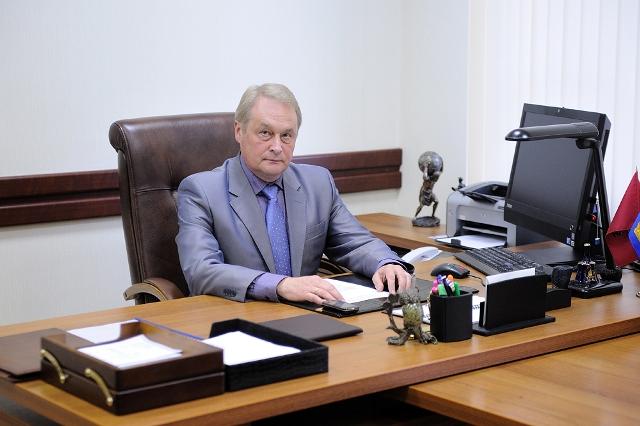 Валентин Пахомов