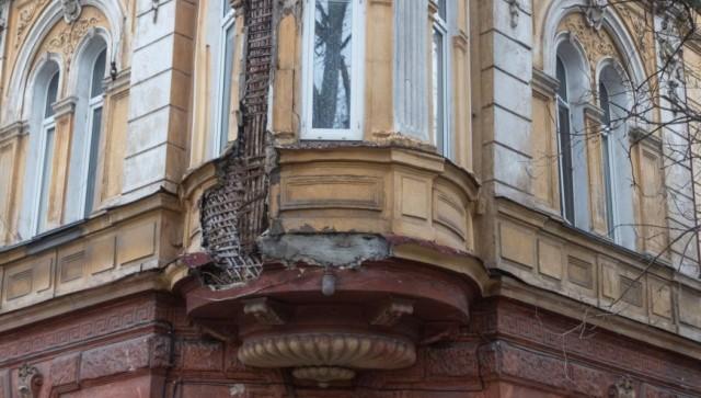 В центре Одессы обрушились фасады исторических зданий
